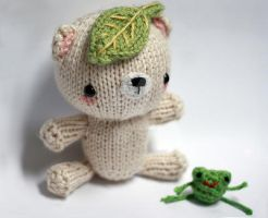 Leafy Bear and Tiny Frog 02 by tinyowlknits