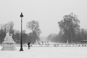 Snowy Paris by StefanyKK