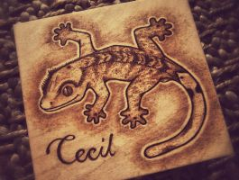 Crested Gecko Pyrography by KenazArt