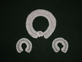 Crochet collar and cuff set by Yak-Blithering