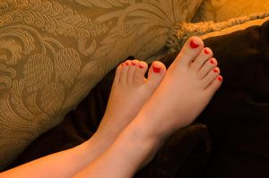 Teeny Tiny Toes by nikongriffin