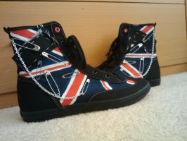 UK Shoes by Triptych-Schift