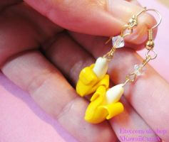 Banana Earrings, Kawaii Kitsch Polymer Clay by xhellojackiex