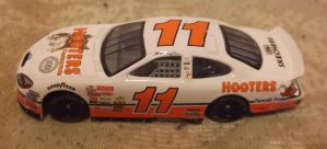 2003 Brett Bodine #11 Hooters Ford car by Chenglor55