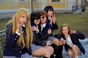 Peace~! - K-ON! - Cosplay by ViikateFretti