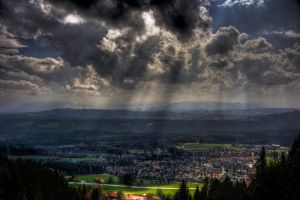 sunrays by Ditze