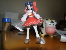 Reimu Papercraft Again by Magedark9