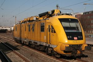 Sunshine for the yellow one by Budeltier