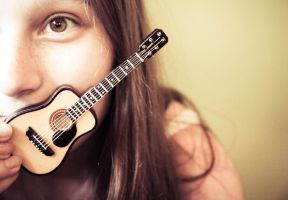 280/365 I have a new guitar! by photographybyteri