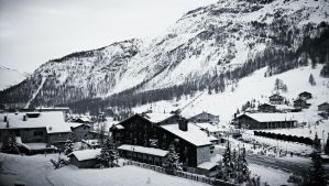 ski resort by frozensoulghost