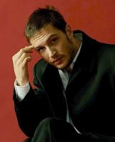 Tom Hardy by kalianalyticaldevine