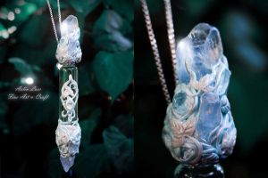 Northern light  Phial necklace by Gwillieth