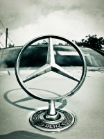 Mercedes Benz Simbol by Gundhardt