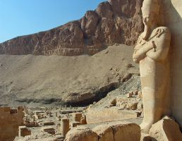 Hatshepsut's Temple by Egil21