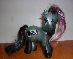Die Pony Front by Snobrdchic