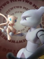 Mew and Mewtwo by IAmMarti