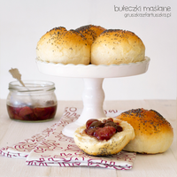 brioches with poppy seed by Pokakulka
