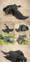 Plush Toothless by shadow-of-insanity