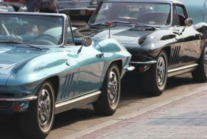 Pair of Corvettes by finhead4ever