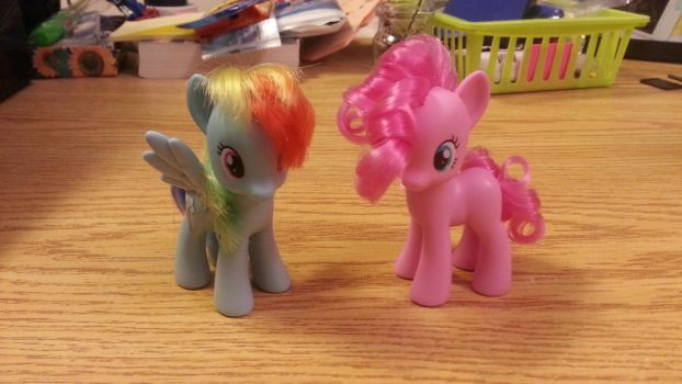 Rainbow Dash and Pinkie Pie w/styled hair by RyuuseiSoul