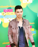 Joe Jonas action by LoreEdition