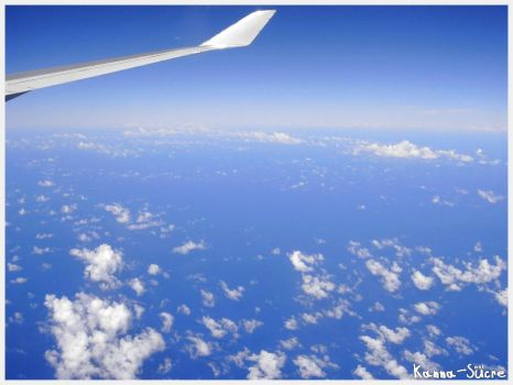 Sky from an airplane by Kanna-sucre