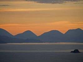 Cuillin sunrise by piglet365