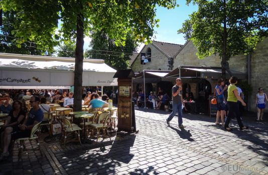 Restaurants and cafes at Bercy Village by EUtouring
