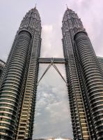 Petronas Twin Towers by Pixyes
