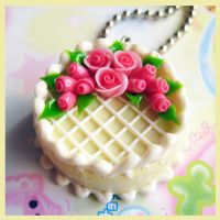 Cream Rose Cake Necklace by cherryboop