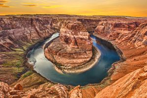 Horseshoe Bend by mjwiacek