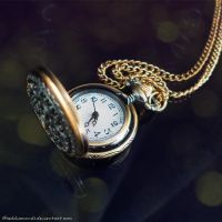 - Pocket Watch - by saddiamonds