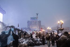 Weekday evening on Euromaidan by shyrivo