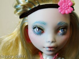 Monster high lagoona repaint 1 by hellohappycrafts
