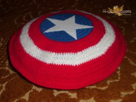 Captain america crocheted pillow by elbuhocosturero