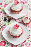 Flower cupcakes by kupenska
