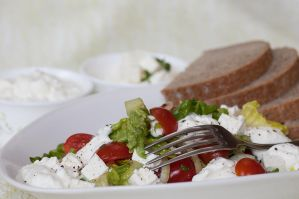 Vegetable salad with yogurt II by SamanthaClara