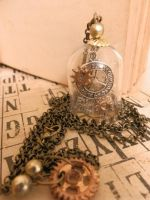 dome necklace - travelling time by Tariray