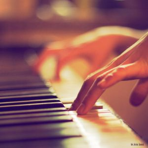 unplayed piano by ~theaudioslave