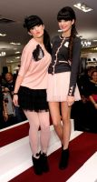 Kendall y Kylie Jenner by LoveYouNightmare