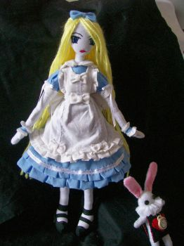 Alice... by dollmaker88