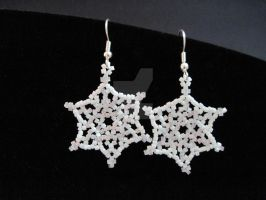 Beaded Snowflake Earrings by Kye595