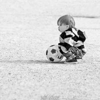 The child and the ball by Seb-Photos