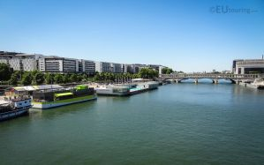 The wide Seine and boats by EUtouring