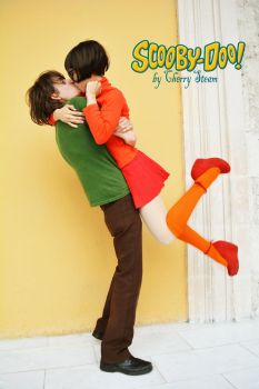Shaggy and Velma Cosplay by CherrySteam