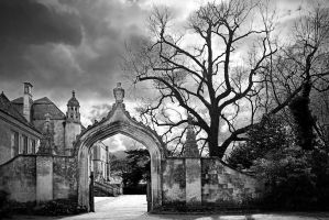 Lacock Abbey: approach 4JoX by Coigach