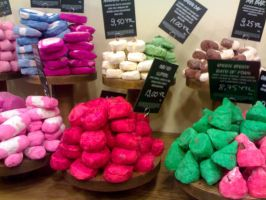 Lush:Bath Bombs by elifffnurrr