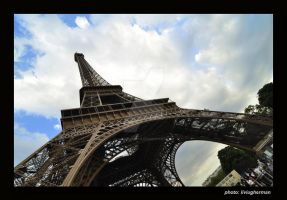 Eiffel Tower by liviugherman