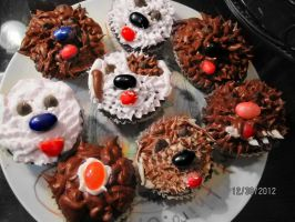 Cupcakes! by CHIVESABOO