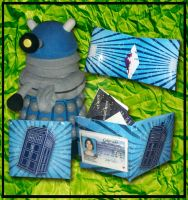 Paper Wallet_Tardis by MadMouseMedia